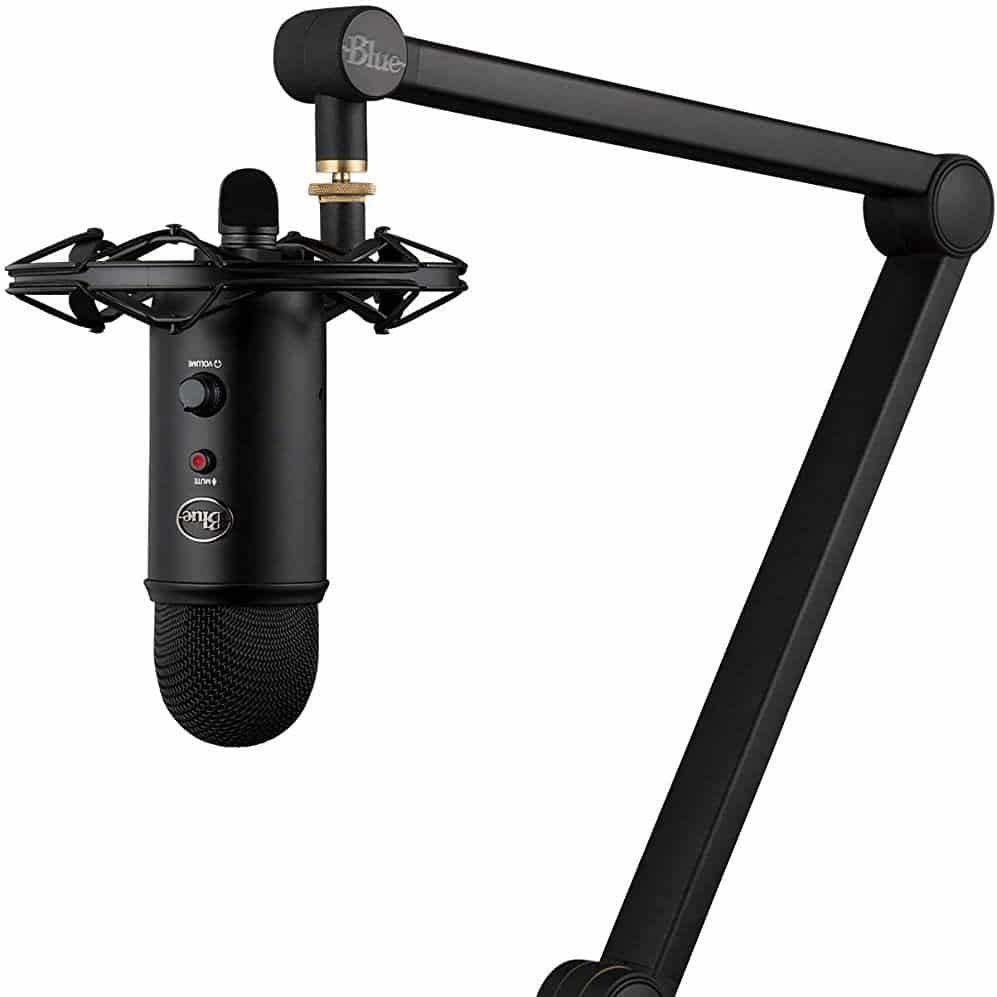 Yeticaster mic and podcasting setup